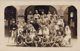 CP Photo :  Blessés Et Personnel Soignant De L'Hôpital Temporaire N°95 -  Chamalières -  Juillet 1918 - Guerre, Militaire