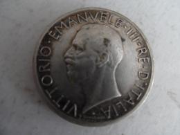 Piece De 5 Lires D'italie  1927 Victor Emmanuel III En Argent - 1861-1946 : Royaume