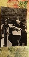 Pilot Valery CHKALOV At Volga River, Reading Newspaper - USSR Old Postcard - 1919-1938: Entre Guerres