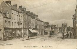 LA HAYE DU PUITS - La Rue émile Poirier.(carte Vendue En L'état). - Andere Gemeenten