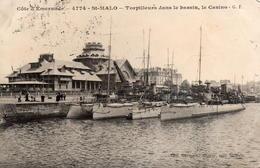 CPA 35 Ille Et Vilaine Saint Malo 4774 Côte D'émeraude Torpilleurs Dans Le Bassin, Le Casino - Saint Malo