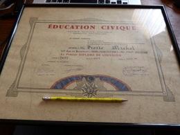 Diplome De Chevalier Education Civique Paris 1976 - France (vendu Sans Le Cadre) - Diploma & School Reports