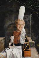 29 - PONT-L'ABBÉ - COMBRIT -    Costume De Bigoudenne      H - Pont L'Abbe