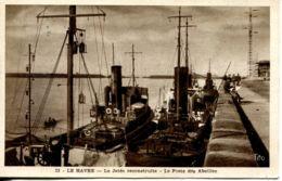 N°70186 -cpa Le Havre -la Jetéee Reconstruite -le Poste Des Abeilles- - Remorqueurs