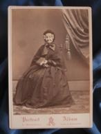 Cabinet Photo A. Reynouls à Béziers - TOP Second Empire Une Vieille Dame Souriante (Mme Carron ?) Circa 1865 L421 - Anciennes (Av. 1900)
