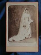 Photo Format Cabinet Messier à Vernon  Jeune Mariée  Belle Robe Taille Très Fine (retouchée) CA 1885 - L423 - Anciennes (Av. 1900)