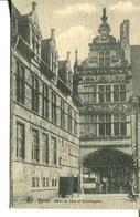006086  Ypres - Hôtel De Ville Et Conciergerie - Ieper