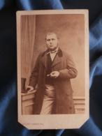 CDV Photo Auguste Tombray Au Mans - Second Empire Portrait De Joseph Lahye, Cigare,  Vers 1865 L425A - Anciennes (Av. 1900)