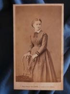 CDV Photo Mulnier à Paris - Second Empire Jeune Femme (Maman Renaut à 18 Ans), Vers 1860 L425A - Anciennes (Av. 1900)