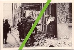 JUILLET 1944 * TORIGNI SUR VIRE *  (50)  UN COUPLE De FRANCAIS OFFRANT DU CIDRE AUX SOLDATS AMERICAINS - Guerre 1939-45