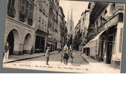 Cpa 64 Bayonne Rue Du Pont Neuf Attelage  Déstockage à Saisir - Bayonne