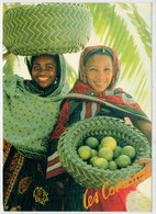 DE  GENTILS COMORIENS  AVEC  LES  FRUITS LOCAUX               (VIAGGIATA) - Comorre