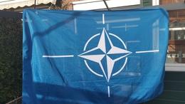 """Vlag Van De Noord-Atlantische Verdragsorganisatie - NAVO -2 Foto""""s For Condition( Originaal) - Flags"""
