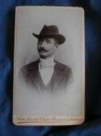 Photo CDV  Chéri Rousseau à Marseille  Portrait Homme élégant  Chapeau Et Monocle  Belle Moustache CA 1890 - L320 - Anciennes (Av. 1900)