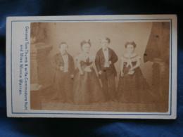 Photo CDV Palmer à Plymouth  General Tom Thumb & Wife, Commodore Nutt, Miss Minie Warren  CA 1870-75 - L330 - Anciennes (Av. 1900)
