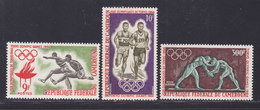 CAMEROUN N°  384 & 385, AERIENS N° 61 ** MNH Neufs Sans Charnière, TB (D8543) Sports Jeux Olympiques De Tokyo 1964 - Cameroun (1960-...)