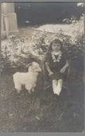 CPA Petite Fille Avec Une Chèvre En Jouet - Carte Photo - Jeux Et Jouets