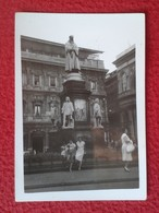 ANTIGUA FOTO FOTOGRAFÍA OLD ORIGINAL PHOTO ESTATUA MONUMENTO MONUMENT STATUE A LEONARDO DA VINCI EN MILÁN ITALIA ITALY - Lugares