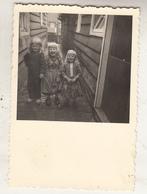 Marken - Kinderen - 1954 - Foto Formaat 6.5 X 9.5 Cm - Anonieme Personen