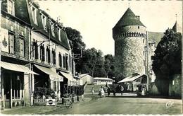 GACE (61) - Le Donjon Et La Route De Lisieux - Gace