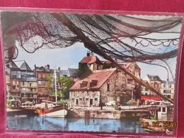 CPSM-GF - Honfleur - Le Port Et La Lieutenance - Honfleur