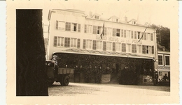 LUXEMBOURG  --  Larochette - Grand Hôtel De La Poste ( Photo: Format 12X7.5 ) - Lieux