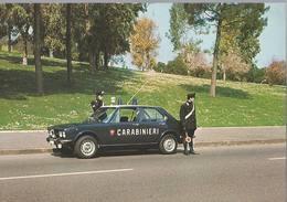 Carabinieri Del Nucleo Radiomobile ( Con Alfetta) - H5131 - Police - Gendarmerie