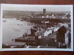 MAROC - RABAT - Vue Générale Du Port Et La Tour Hassan. (Le Port - Bâteaux De Commerces) CPSM - Rabat
