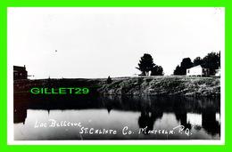 ST CALIXTE, QUÉBEC - VUE DU LAC BELLEVUE & DES CHALETS - VRAI CARTE-PHOTO - CIRCULÉE EN 1953 - - Rimouski