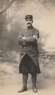 Militaria : Extrait De Carte-photo. : Soldat - Infirmier : 14é Régt. ( Poilu ) Format 10,3cm X 6,2cm - Guerre 1914-18