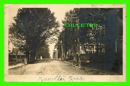 KNOWLTON, QUEBEC - RUE EN TERRE DU VILLAGE - WRITTEN 0 - Quebec