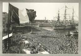 """2694""""PARATA DELLE FORZE ARMATE SULLE RIVE- 4/11/1954 - LA FOLLA FESTANTE PER IL RITORNO DI TRIESTE ALL'ITALIA"""" FOTO ORIG - Trieste"""