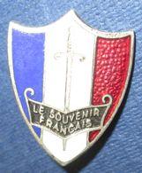 """Insigne  """"Le Souvenir Français""""-Augis - 1914-18"""
