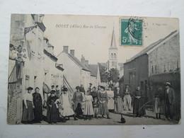 DOYET  Rue Du Chezeau , Animé 1909 - Autres Communes
