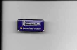 PIN'S MICHELIN - Badges
