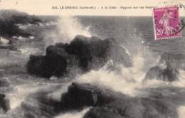 44 - LE CROISIC - A La Côte - Vagues Sur Les Rochers - Le Croisic