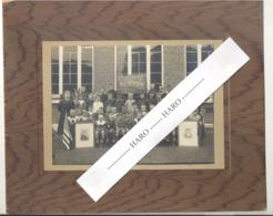 STAVELOT 1919 - Photo Sur Carton - Fin De La Guerre 14/18 - Ecole, élèves, Enseignantes,... (b247) - Lieux