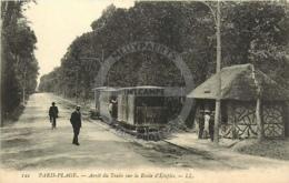 /!\ 9495 - CPA/CPSM - 62 - Paris-Plage : Arret Du Train Sur La Route D'Etaples - France