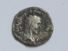 Monnaie Romaine En Argent à Identfier  **** EN ACHAT IMMEDIAT **** - Romaines