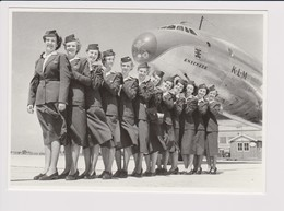 Photocard KLM K.L.M Royal Dutch Airlines Lockheed Constellation L-749 Aircraft Stewardess @ Schiphol Airport - 1919-1938: Entre Guerres