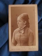 Photo CDV Ruf & Dilger à Fribourg  Jeune Femme Blonde  Catogan  CA 1880- L427 - Anciennes (Av. 1900)