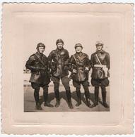MILITARIA. MAROC. CASABLANCA. PHOTO. MILITAIRES. GENDARMES.  1956.A SITUER. - Guerre, Militaire