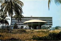 CPSM Cotonou-Edifice De L'UAM                           L2780 - Benin