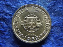 MACAU 5 PATACAS 1952, KM5 AU - Macao