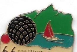 Pin's  Ville, Sport  Pétanque,  66 ème  Championnat De France 1992  à  AIX - LES - BAINS  ( 73 ) - Pétanque