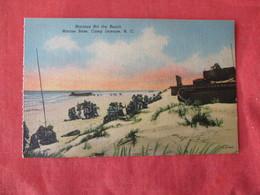 US Marine Base----- Camp Lejeune--------Marines Hit The Beach    North Carolina > Ref 3169 - Militaria