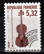 France Préoblitéré 223 A  Dentelé 12 Instrument De Musique  Neuf ** Mnh Sin Charnela Cote 20 - Préoblitérés