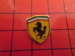 115b Pins Pin's / Rare & De Belle Qualité  THEME : AUTOMOBILES / LOGO FERRARI CHEVAL CABRE - Ferrari