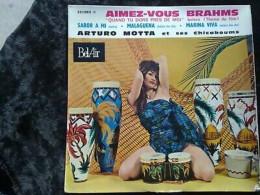 Arturo Motta Et Ses Chicaboums: Aimez-vous Brahms/ 45t Bel Air 221095, Languette - Vinyl Records