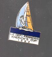 Pin's VOILE DEFI FRANCAIS AMERICA'S CUP1992 SIGNE DEFI FRANCAIS...BT9 - Sailing, Yachting